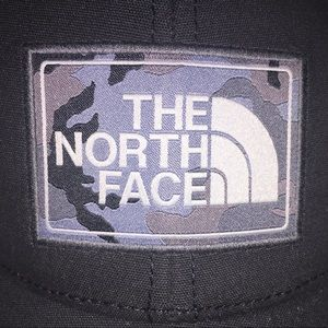 NWT The North Face TNF ONE SIZE Mudder Trucker Hat
